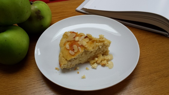apple and almond slice