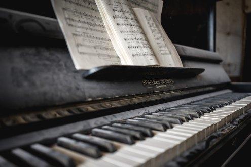 piano patrick-schneider-375404